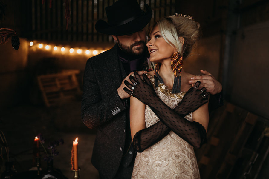 Sustainable and beautiful halloween wedding style, image credit Thyme Lane Photography (21)