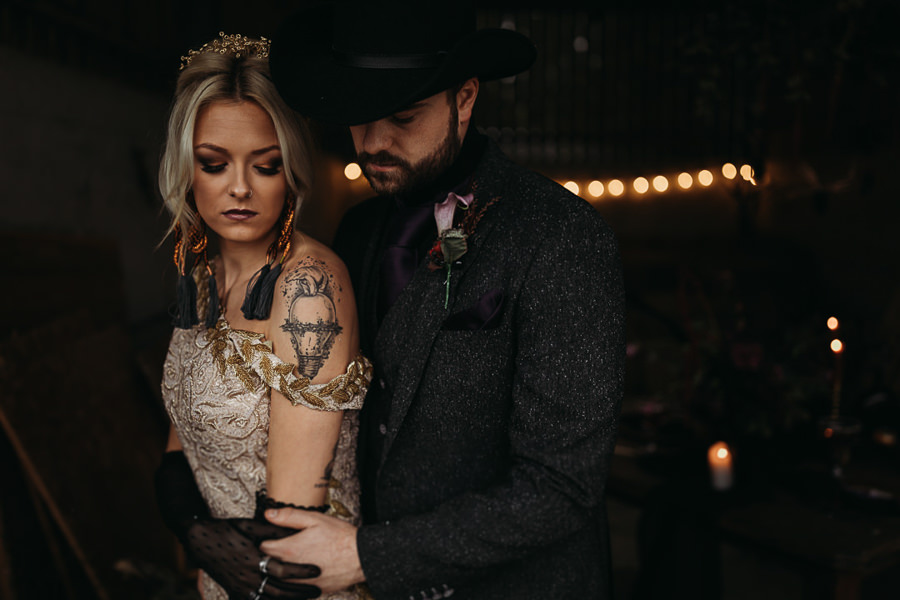 Sustainable and beautiful halloween wedding style, image credit Thyme Lane Photography (18)