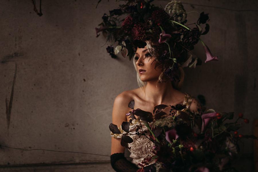 Sustainable and beautiful halloween wedding style, image credit Thyme Lane Photography (9)