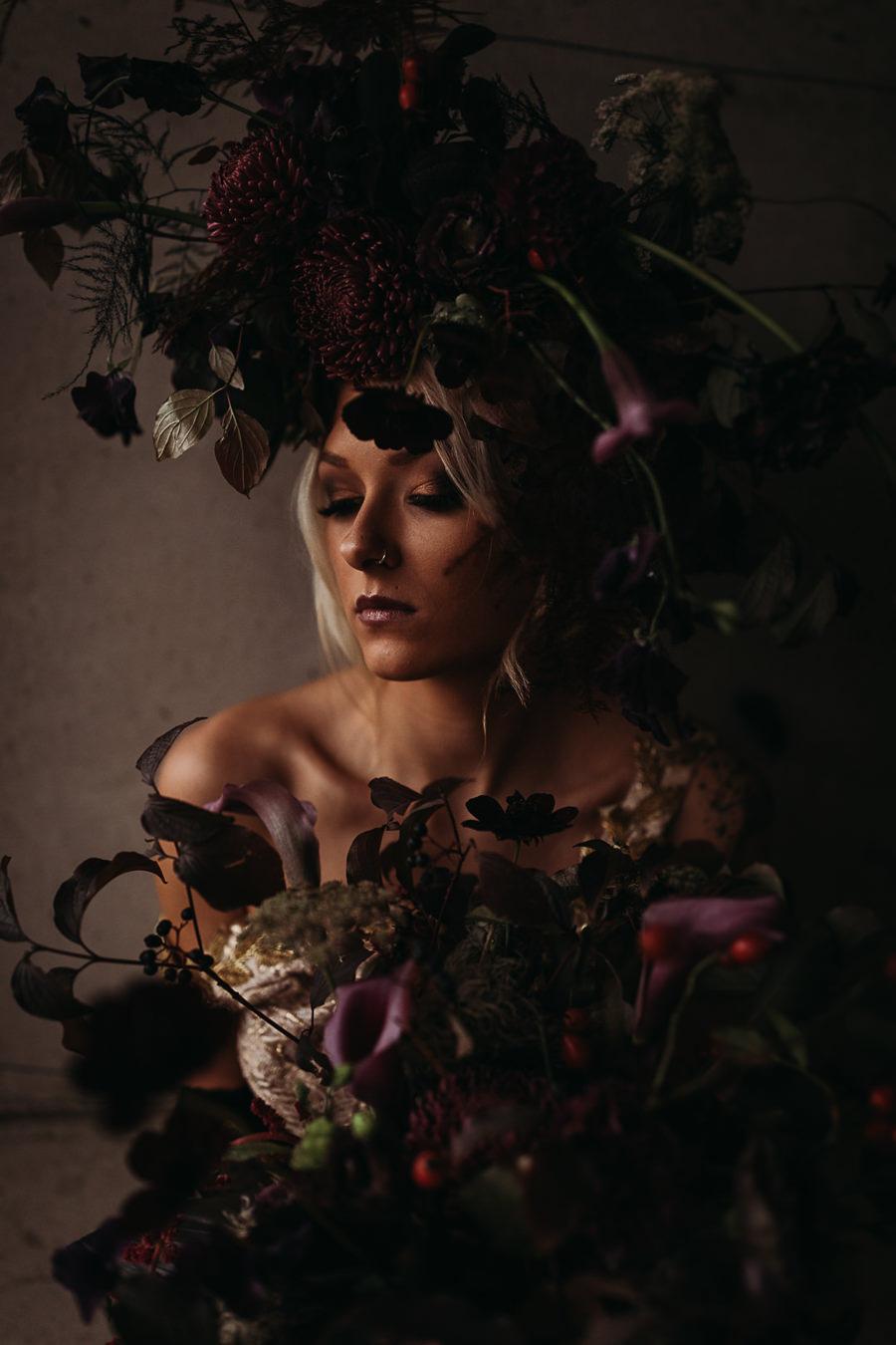 Sustainable and beautiful halloween wedding style, image credit Thyme Lane Photography (8)