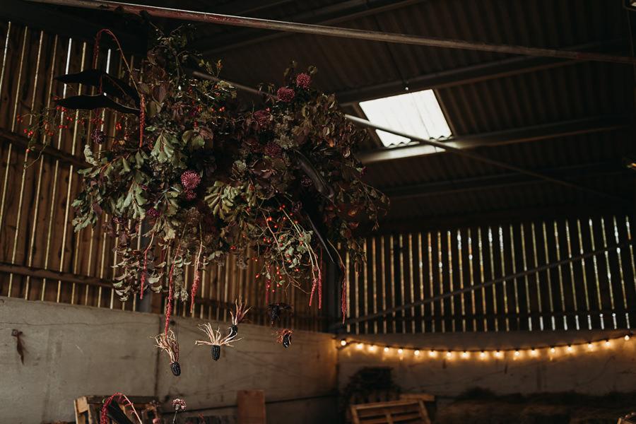 Sustainable and beautiful halloween wedding style, image credit Thyme Lane Photography (5)