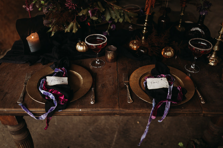 Sustainable and beautiful halloween wedding style, image credit Thyme Lane Photography (4)