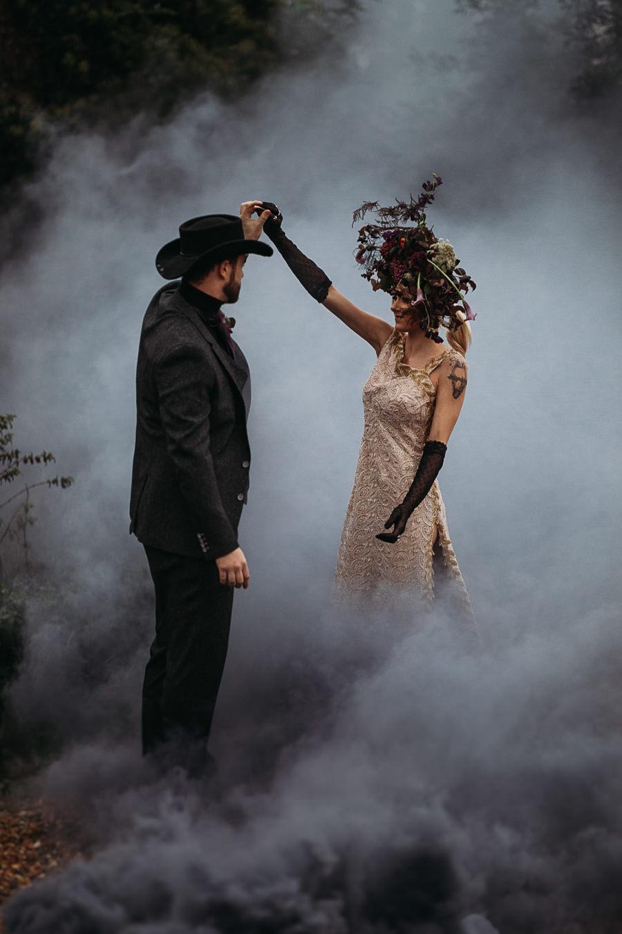 Sustainable and beautiful halloween wedding style, image credit Thyme Lane Photography (2)