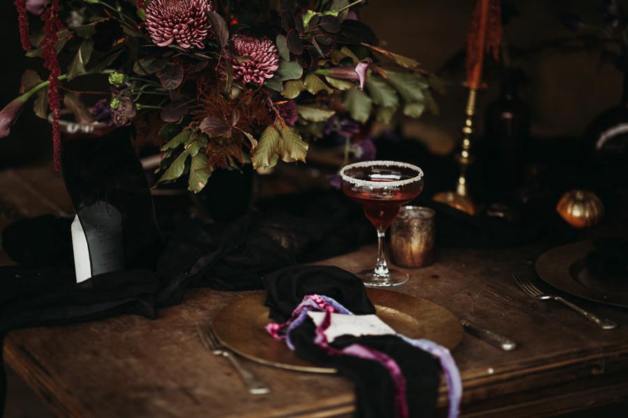 Sustainable and beautiful halloween wedding style, image credit Thyme Lane Photography (40)
