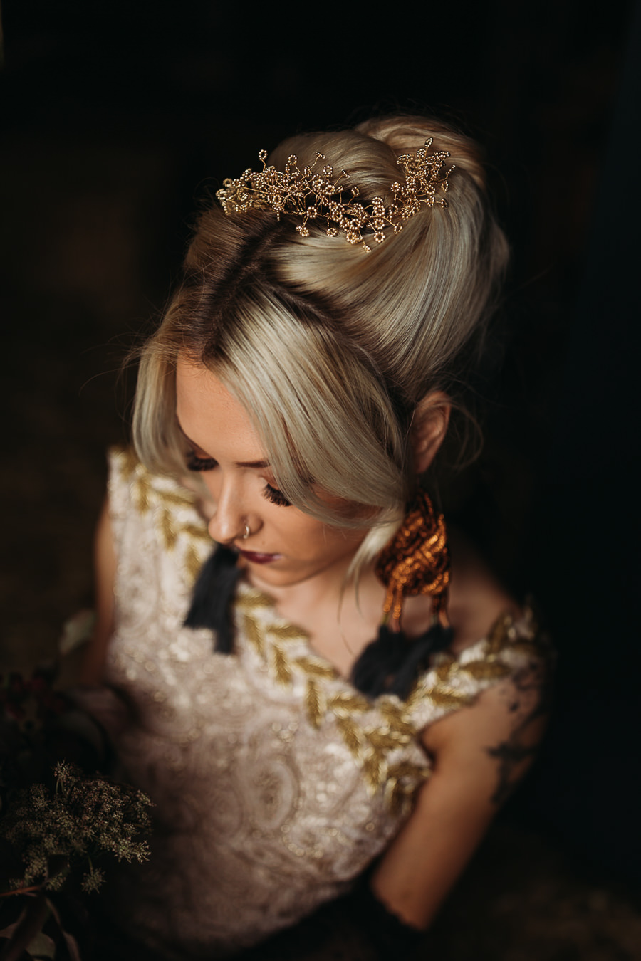 Sustainable and beautiful halloween wedding style, image credit Thyme Lane Photography (35)