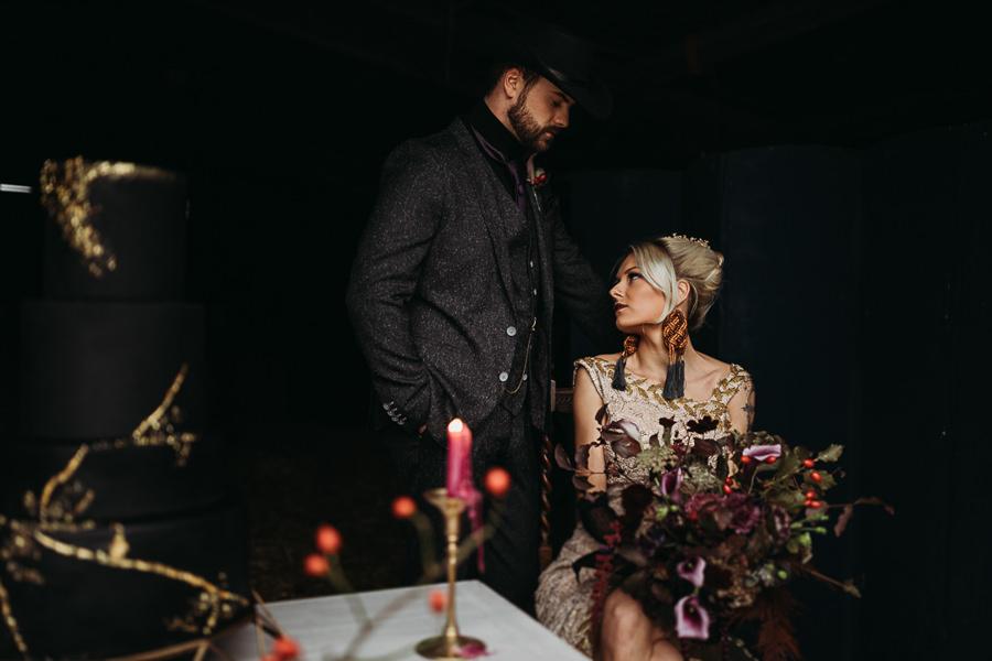 Sustainable and beautiful halloween wedding style, image credit Thyme Lane Photography (29)
