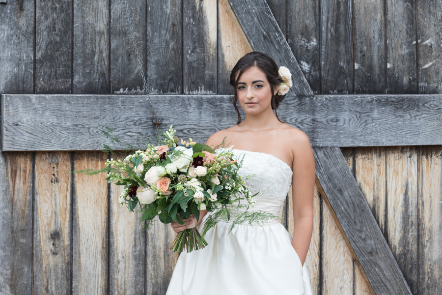 Rustic Romance at Ufton Court, with Sigi Kirkpatrick Photography (21)