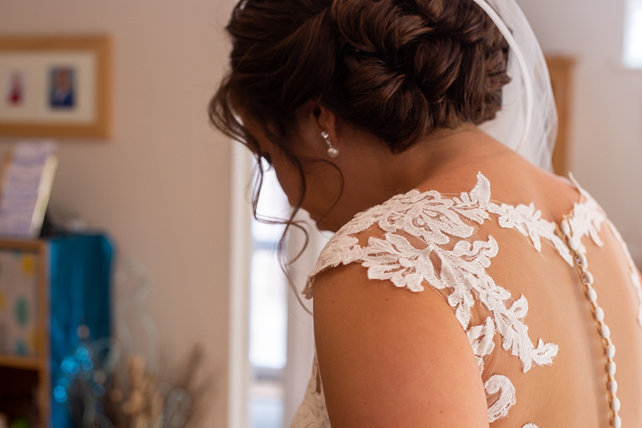 Wil & Laura's creative DIY wedding in Winchester, with Katie Winter Photography (5)