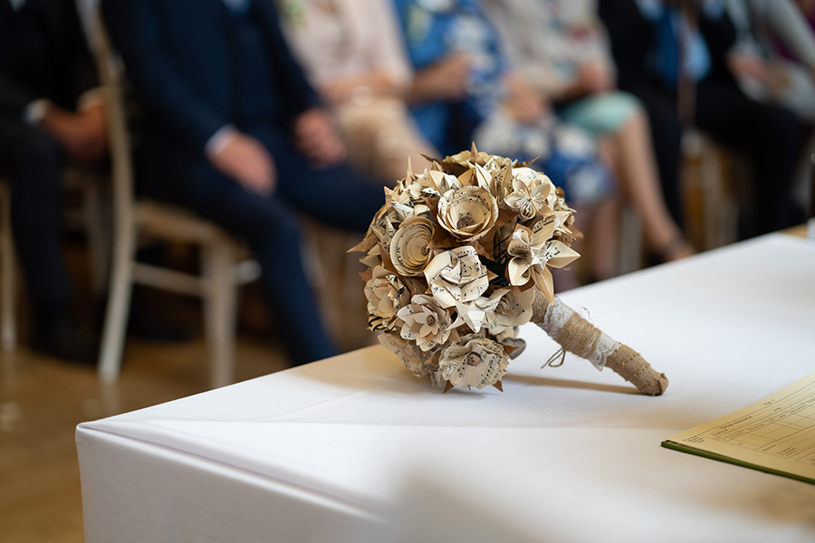 Wil & Laura's creative DIY wedding in Winchester, with Katie Winter Photography (13)