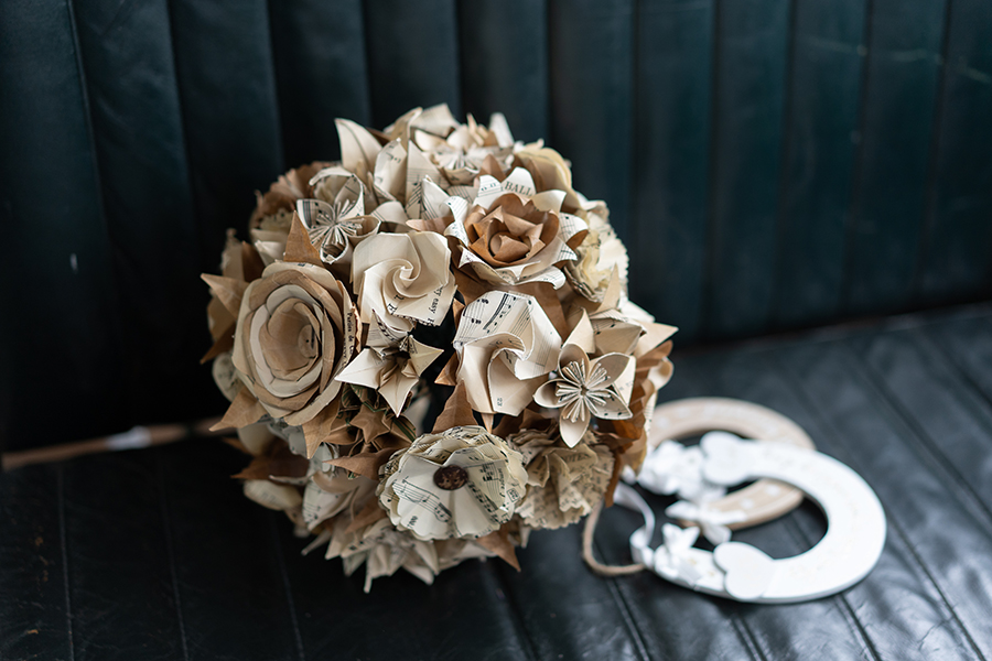 Wil & Laura's creative DIY wedding in Winchester, with Katie Winter Photography (24)