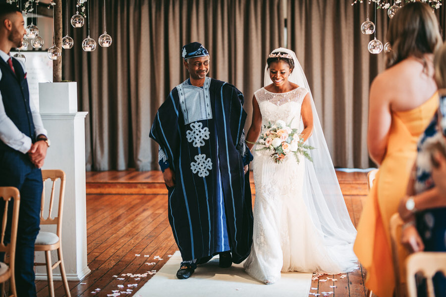 Oreofe & Craig's chic and modern Manchester city wedding, with Rachel Clarke Wedding Photography (16)