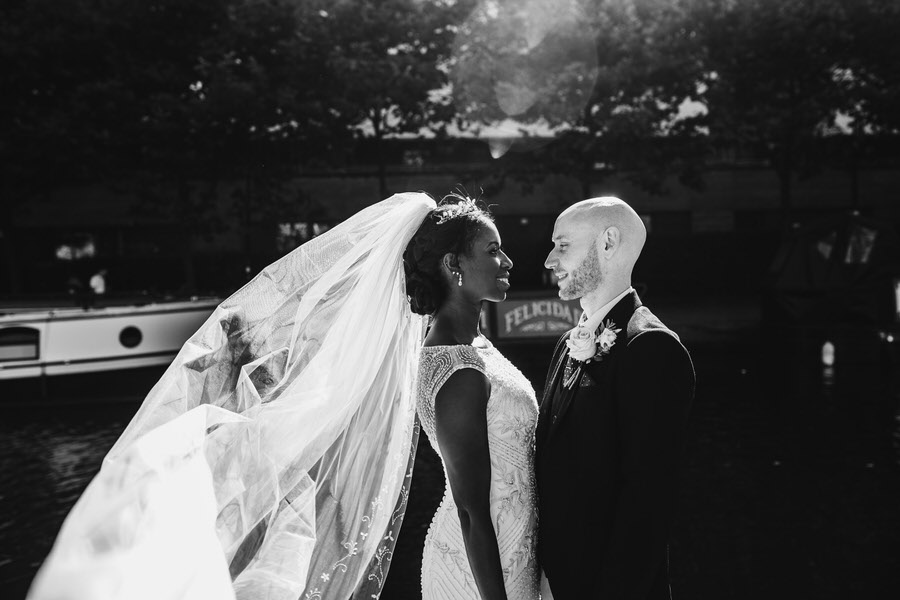 Oreofe & Craig's chic and modern Manchester city wedding, with Rachel Clarke Wedding Photography (27)