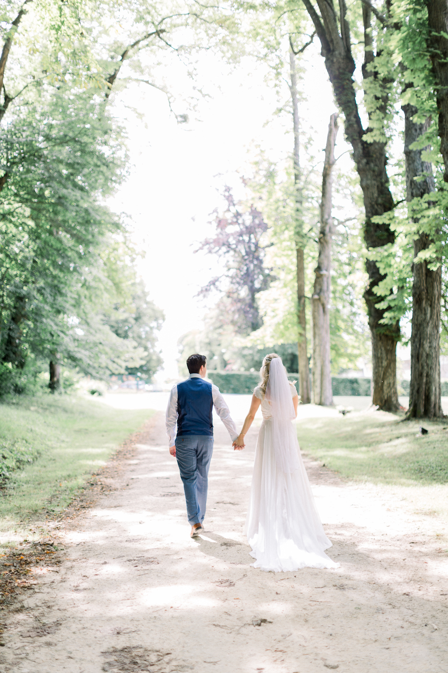 Francine & Jamie's classic and timeless Loire Valley wedding, with Hannah K Photography (18)