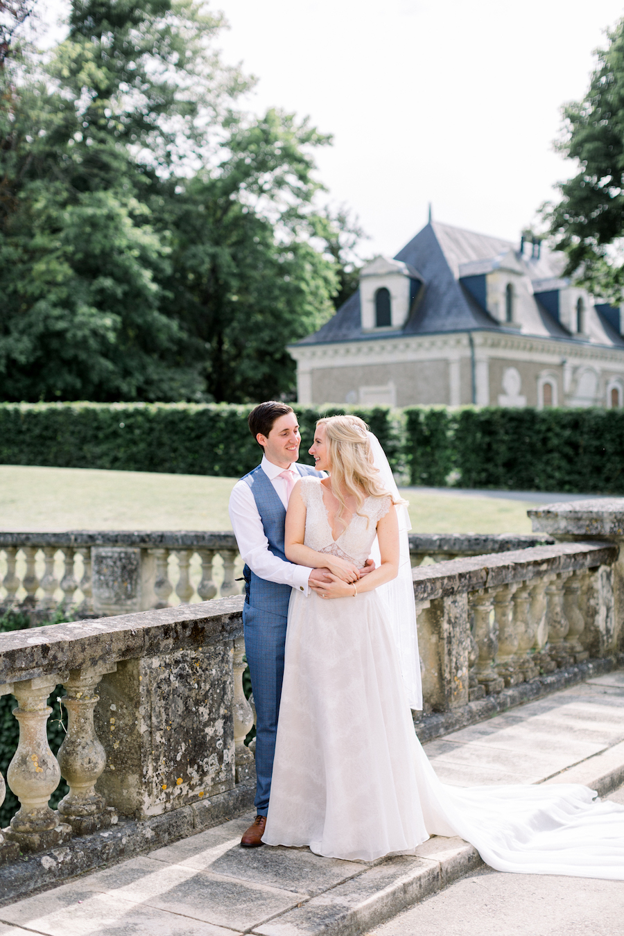 Francine & Jamie's classic and timeless Loire Valley wedding, with Hannah K Photography (20)