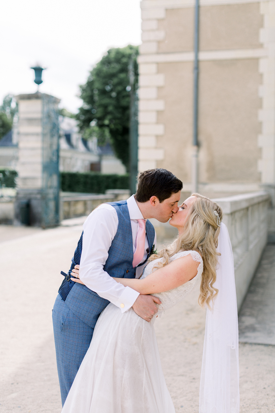 Francine & Jamie's classic and timeless Loire Valley wedding, with Hannah K Photography (27)