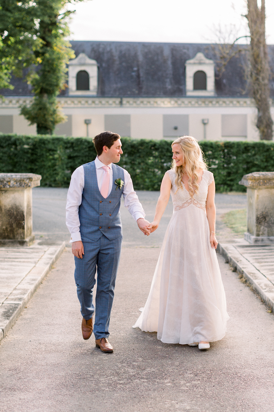 Francine & Jamie's classic and timeless Loire Valley wedding, with Hannah K Photography (32)
