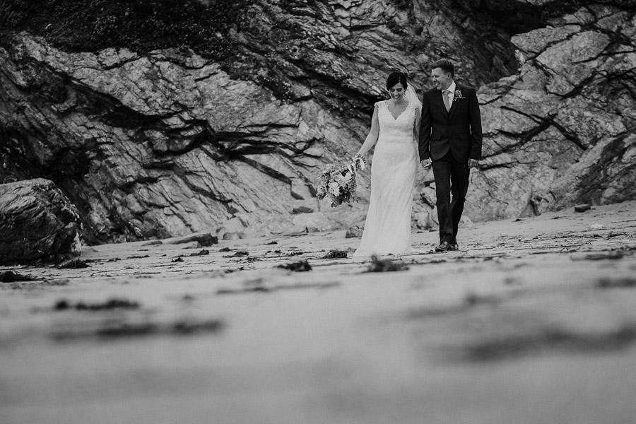 Laura & Craig's lovely English wedding at Lusty Glaze, with Alexa Poppe Photography (23)