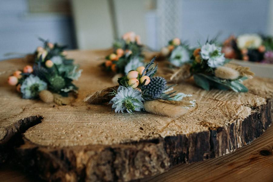 Laura & Craig's lovely English wedding at Lusty Glaze, with Alexa Poppe Photography (6)