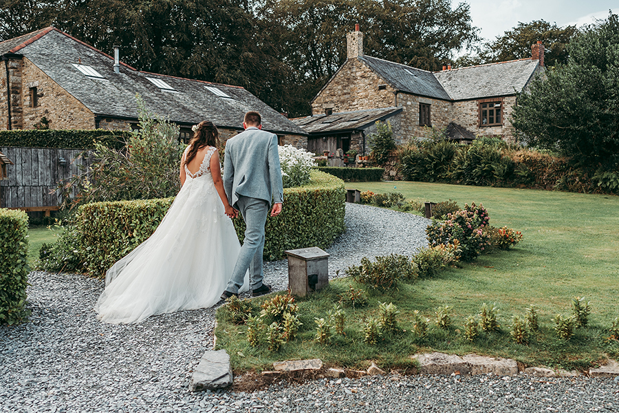 Philip and Chrissy's elegant rustic Trevenna Barns wedding, with Tracey Warbey Photography (26)
