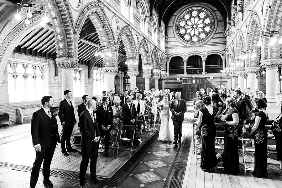 Get the best out of your wedding photos during the ceremony & reception, image credit Fiona Kelly Photography (4)