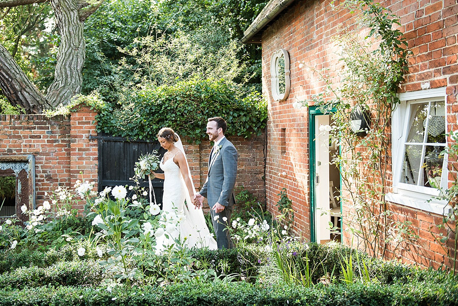 Get the best out of your wedding photos during the ceremony & reception, image credit Fiona Kelly Photography (26)