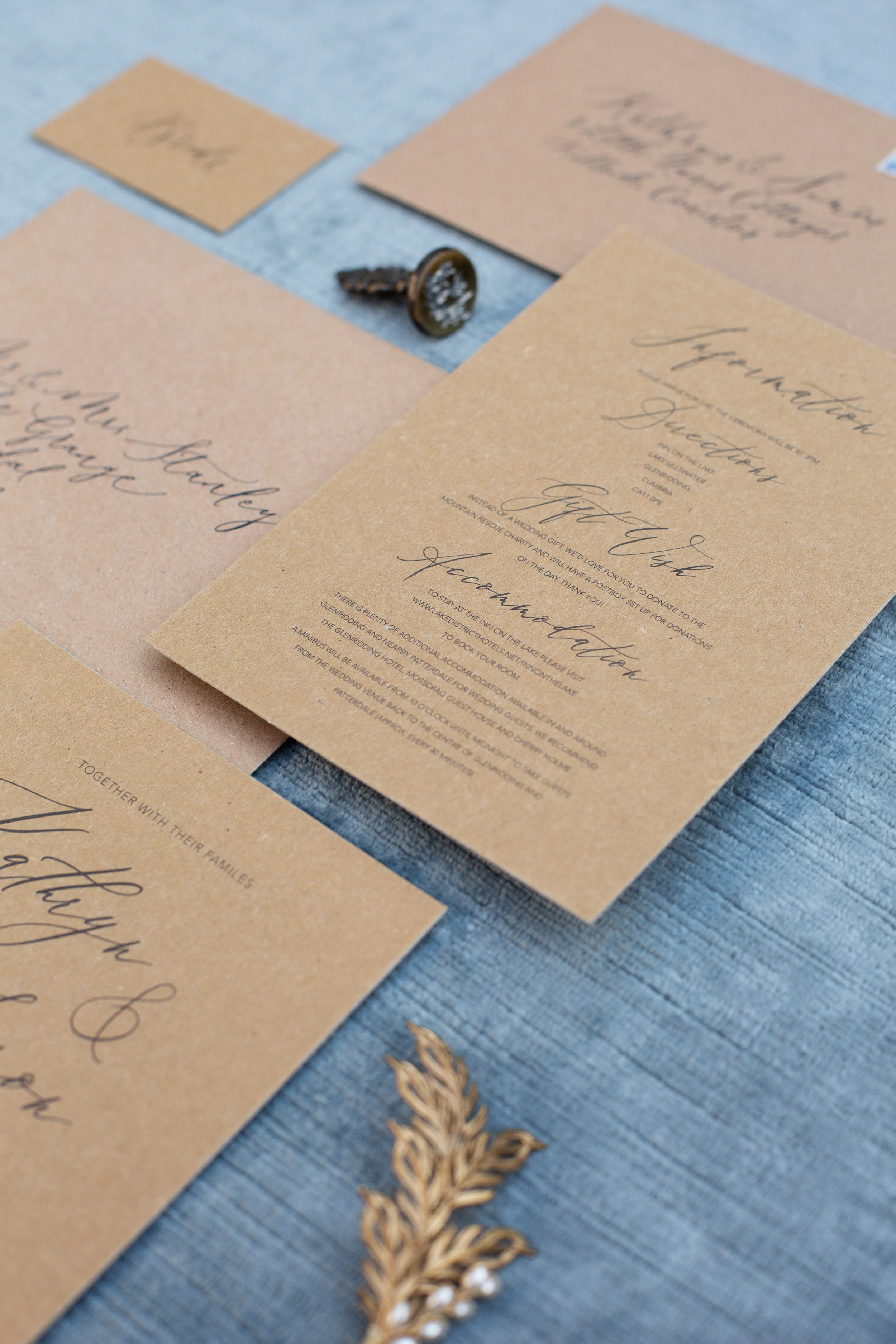 Rustic elegance sustainable wedding stationery from By Moon and Tide Calligraphy, photography credit Jess Reeve (5)