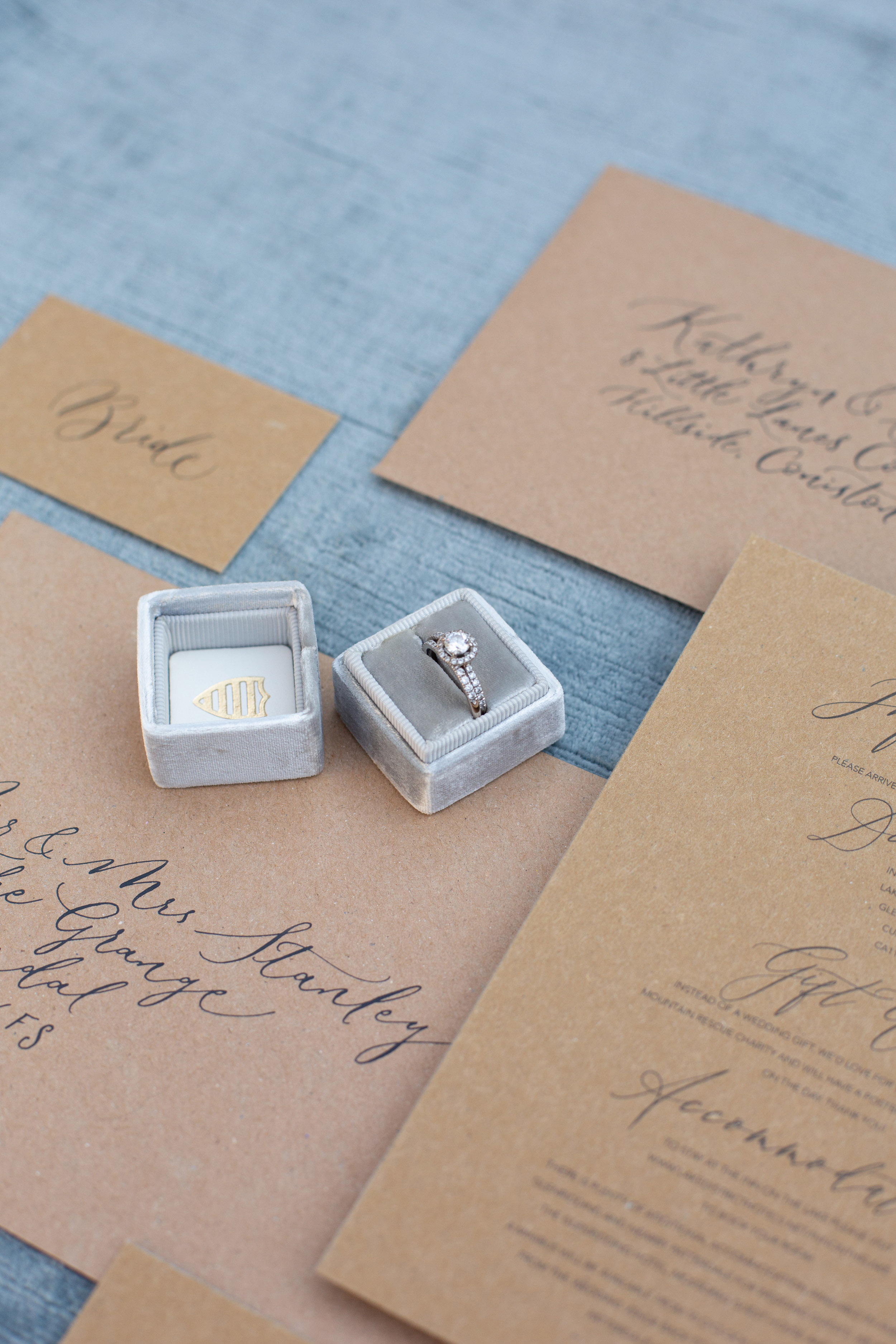Rustic elegance sustainable wedding stationery from By Moon and Tide Calligraphy, photography credit Jess Reeve (4)