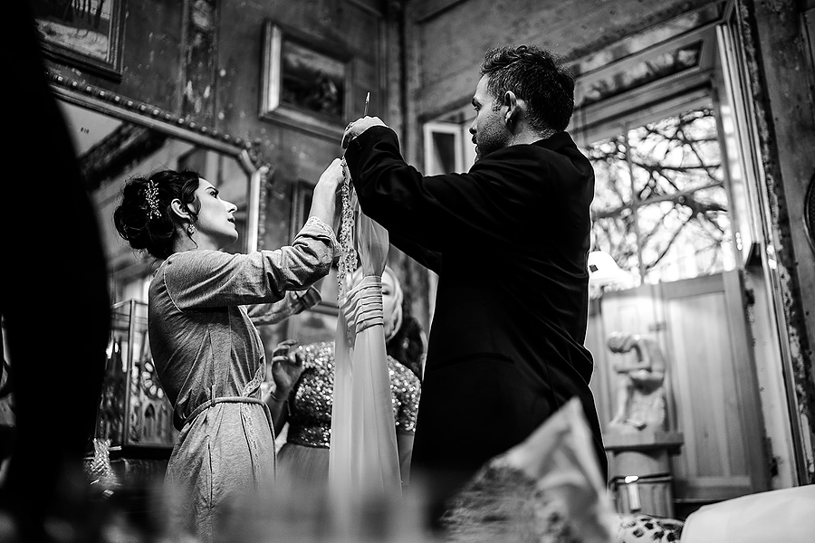 Mike & Khiley's sophisticated and FUN black tie wedding at Brunswick House, with Oliver Holder Photography (9)