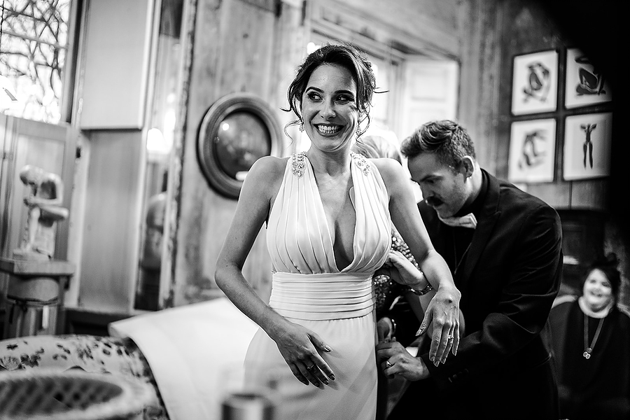 Mike & Khiley's sophisticated and FUN black tie wedding at Brunswick House, with Oliver Holder Photography (10)