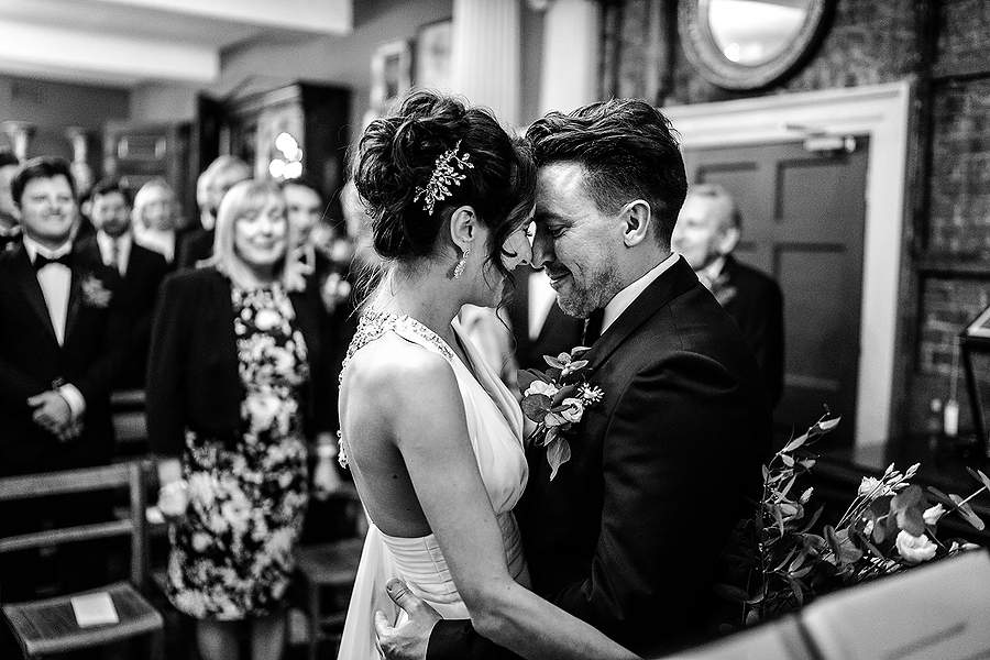 Mike & Khiley's sophisticated and FUN black tie wedding at Brunswick House, with Oliver Holder Photography (14)