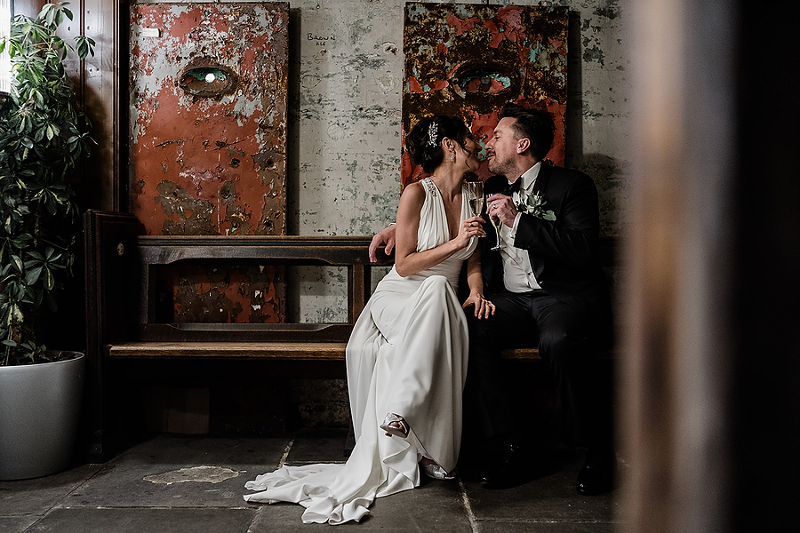 Mike & Khiley's sophisticated and FUN black tie wedding at Brunswick House, with Oliver Holder Photography (27)