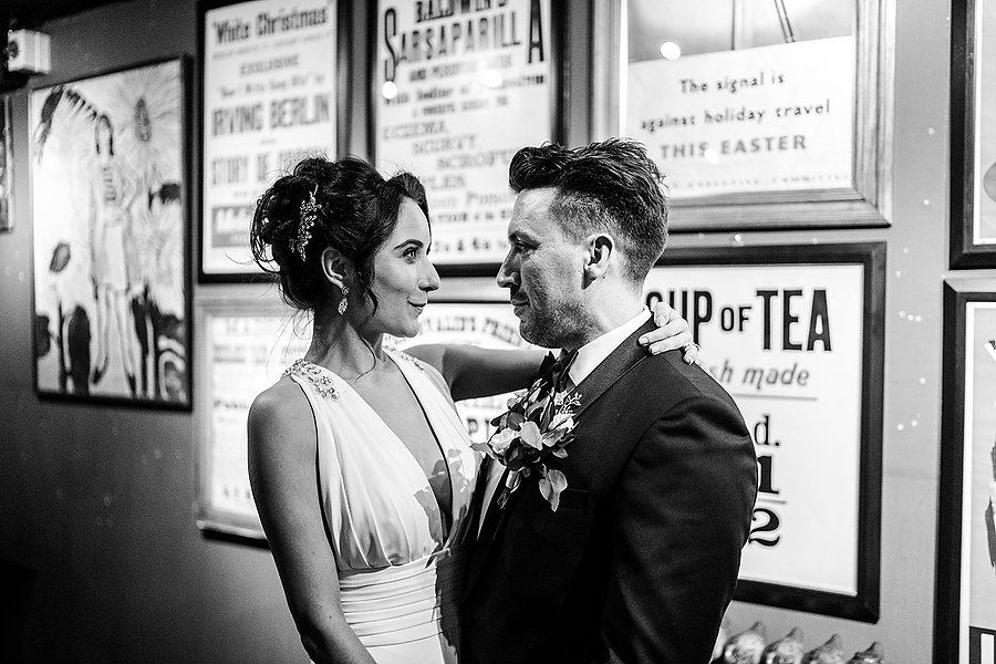Mike & Khiley's sophisticated and FUN black tie wedding at Brunswick House, with Oliver Holder Photography (28)