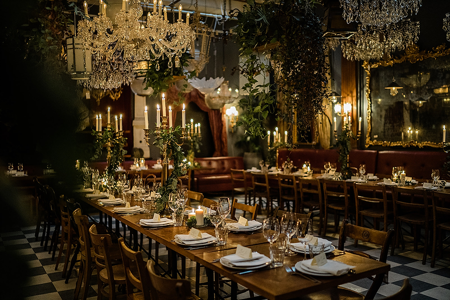 Mike & Khiley's sophisticated and FUN black tie wedding at Brunswick House, with Oliver Holder Photography (30)