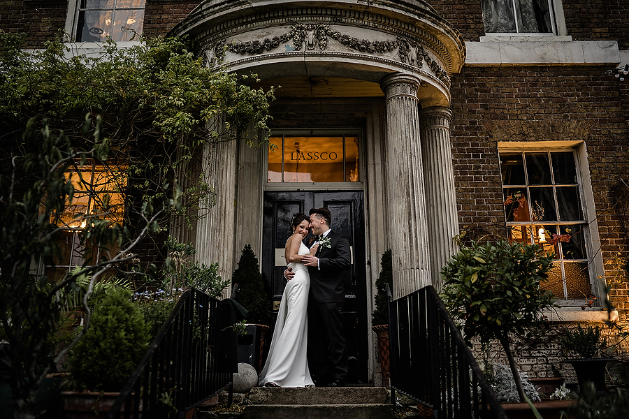Mike & Khiley's sophisticated and FUN black tie wedding at Brunswick House, with Oliver Holder Photography (31)
