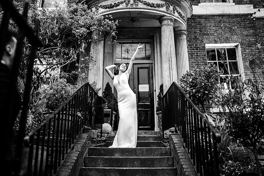 Mike & Khiley's sophisticated and FUN black tie wedding at Brunswick House, with Oliver Holder Photography (32)