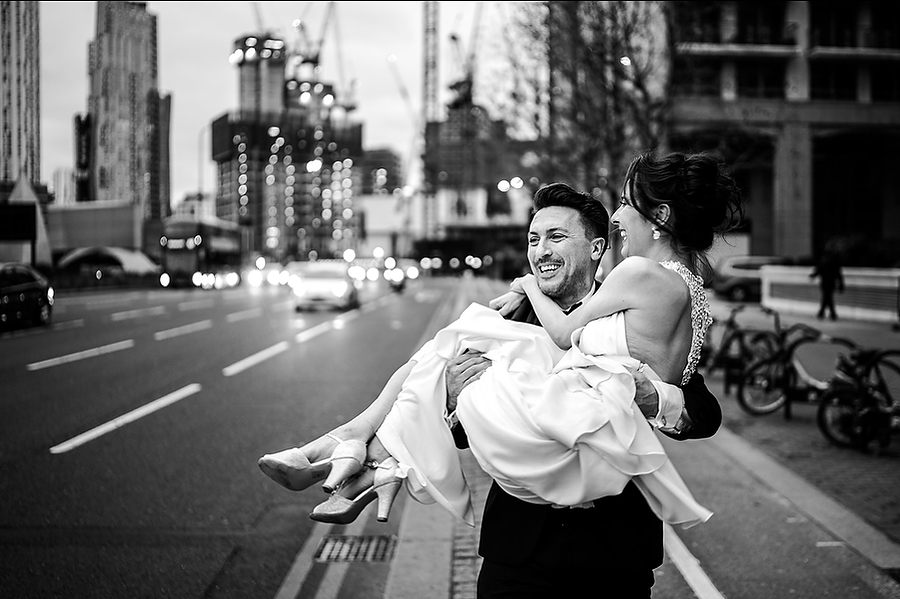 Mike & Khiley's sophisticated and FUN black tie wedding at Brunswick House, with Oliver Holder Photography (33)