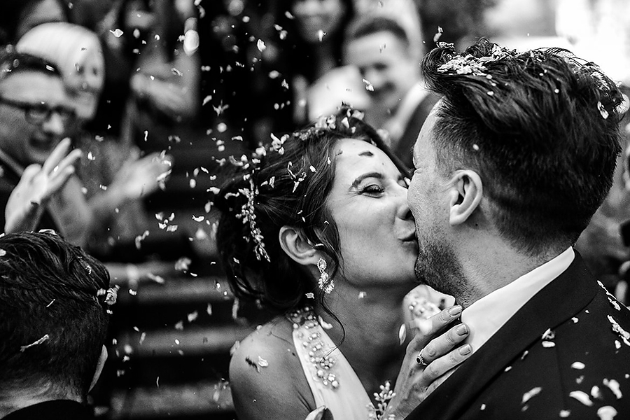 Mike & Khiley's sophisticated and FUN black tie wedding at Brunswick House, with Oliver Holder Photography (36)