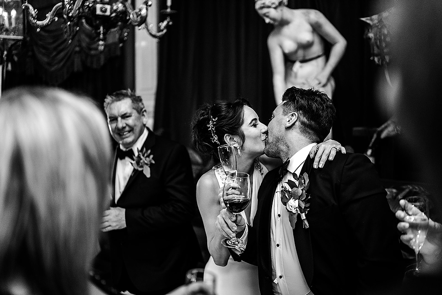 Mike & Khiley's sophisticated and FUN black tie wedding at Brunswick House, with Oliver Holder Photography (40)