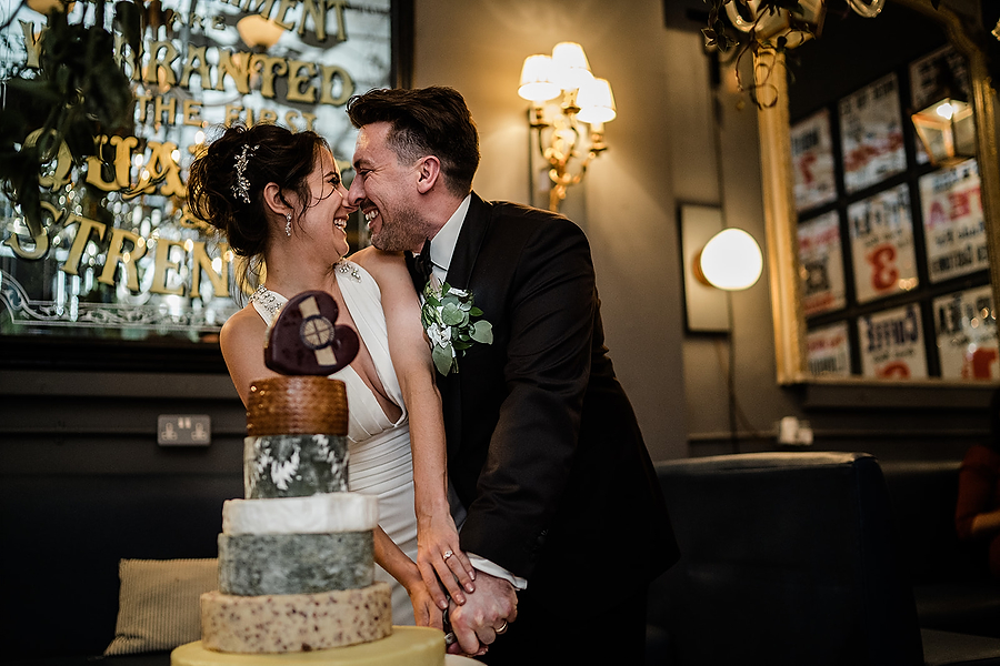 Mike & Khiley's sophisticated and FUN black tie wedding at Brunswick House, with Oliver Holder Photography (41)