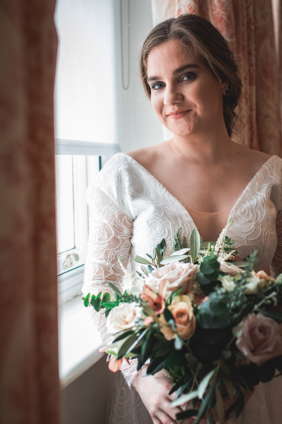 Elegant and timeless wedding style with a contemporary twist, photography by shootitmomma.co.uk (22)