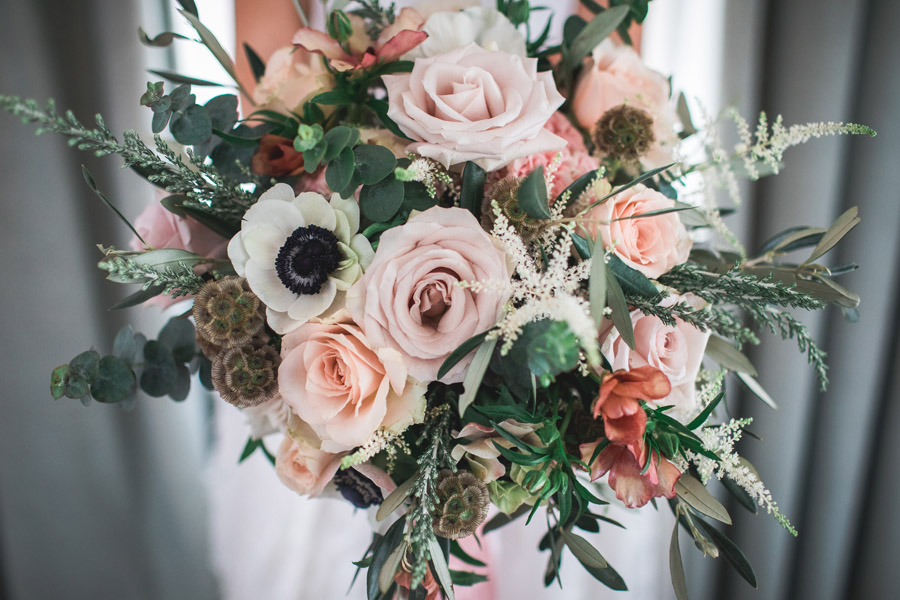 Elegant and timeless wedding style with a contemporary twist, photography by shootitmomma.co.uk (6)