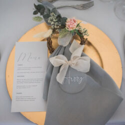 Elegant and timeless wedding style with a contemporary twist