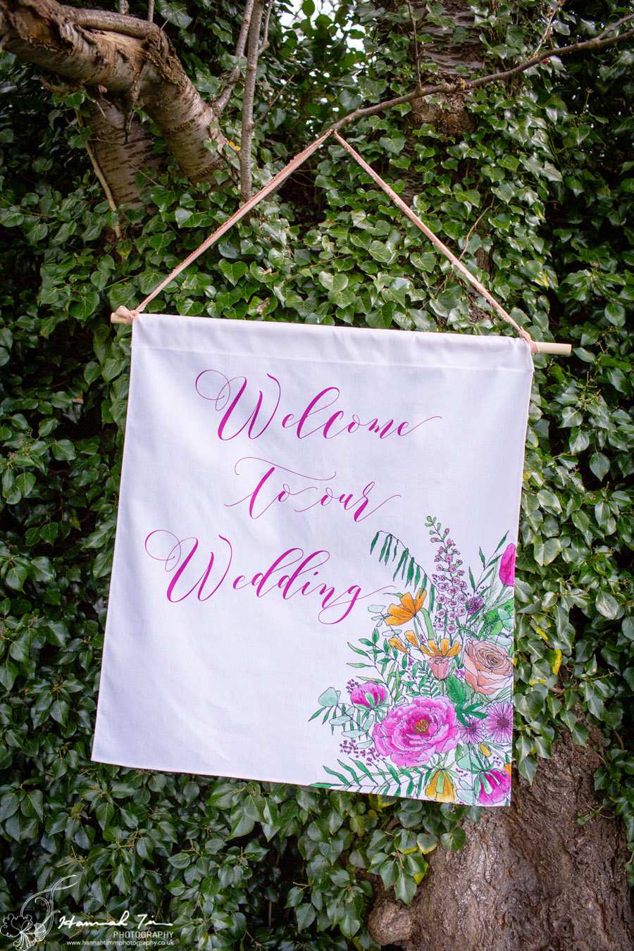 Fabulous spring colour for an Old Church Farm wedding! Photography credit Hannah Timm (19)