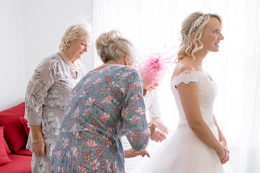 Katie & Jonathan's elegant rustic Unitarian Chapel wedding, with Jennifer Jane Photography (2)