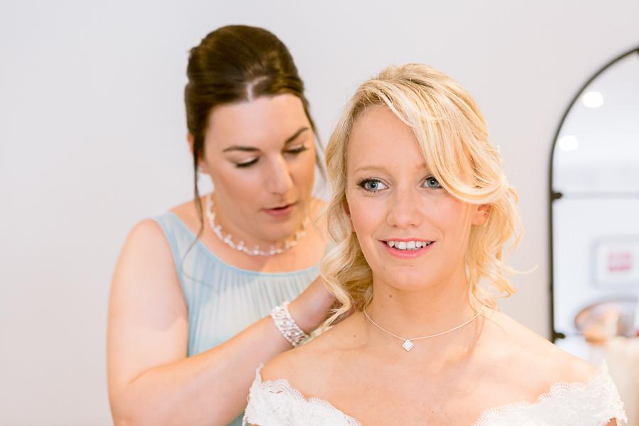 Katie & Jonathan's elegant rustic Unitarian Chapel wedding, with Jennifer Jane Photography (3)
