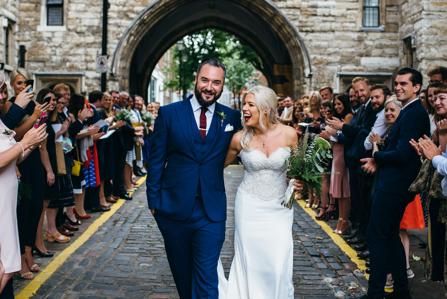 Ally & James's chic and modern museum-to-pub wedding, with Simon Biffen Photography (11)