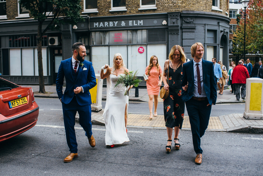 Ally & James's chic and modern museum-to-pub wedding, with Simon Biffen Photography (13)