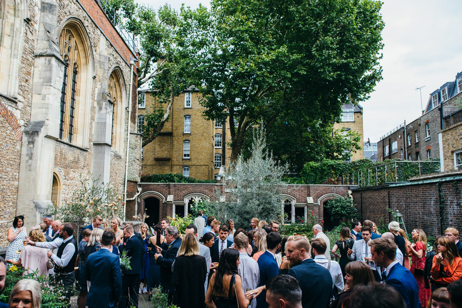 Ally & James's chic and modern museum-to-pub wedding, with Simon Biffen Photography (14)