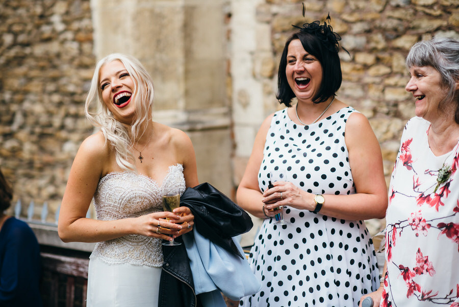 Ally & James's chic and modern museum-to-pub wedding, with Simon Biffen Photography (16)