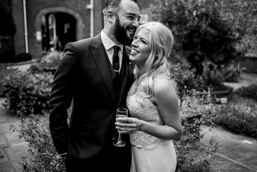 Ally & James's chic and modern museum-to-pub wedding, with Simon Biffen Photography (17)